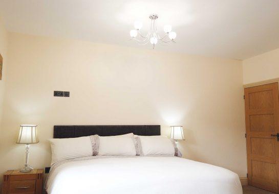 Luxury-Hotel-Near-Bath